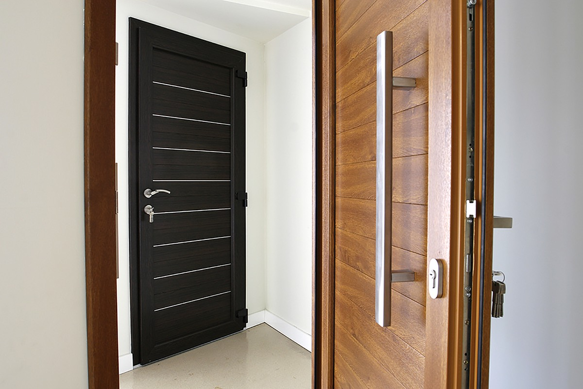 what is a composite door